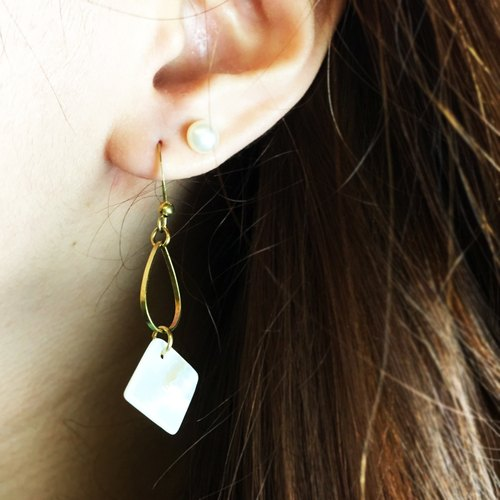 Can be changed clip - brass geometric earrings - at the right time - a single branch