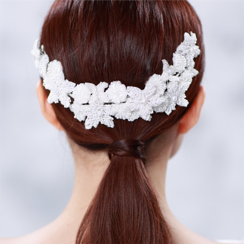 PUREST HOME exquisite lace flower carving pearl goddess decoration hair comb PC16003 | wedding dress. marry. Wedding jewelry preferred | French fashion hand bride headdress. Hair ornaments. Girlfriend wedding gift best choice