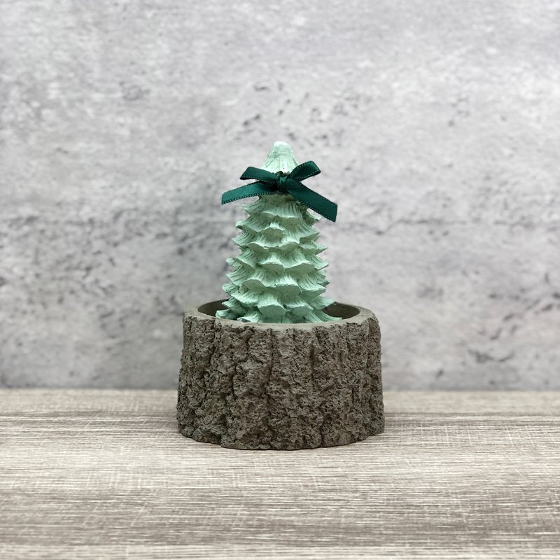 Christmas tree diffused stone