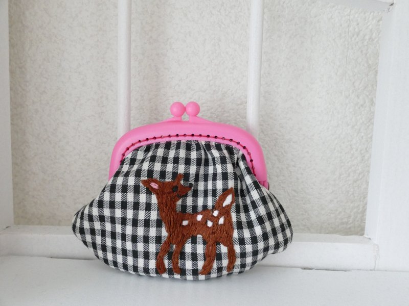 Embroidery gingam gingham check deer