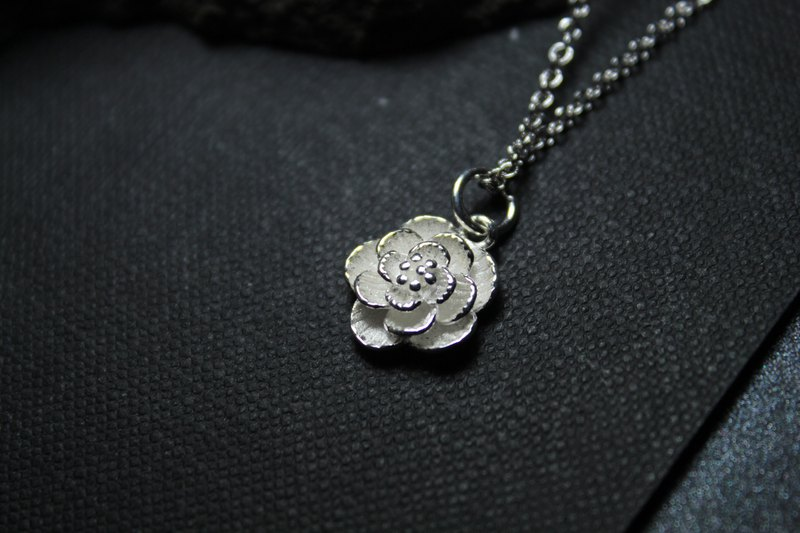 s925 sterling silver necklace round petal sterling silver flower pendant