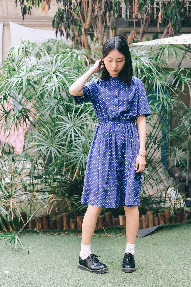 Dark blue glossy cloth two-color love vintage short-sleeved dress