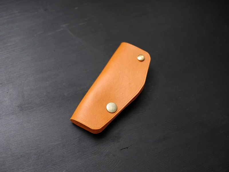 [Limited Offer] Leather Single Key Case-Camel [Friek Carved Leather]