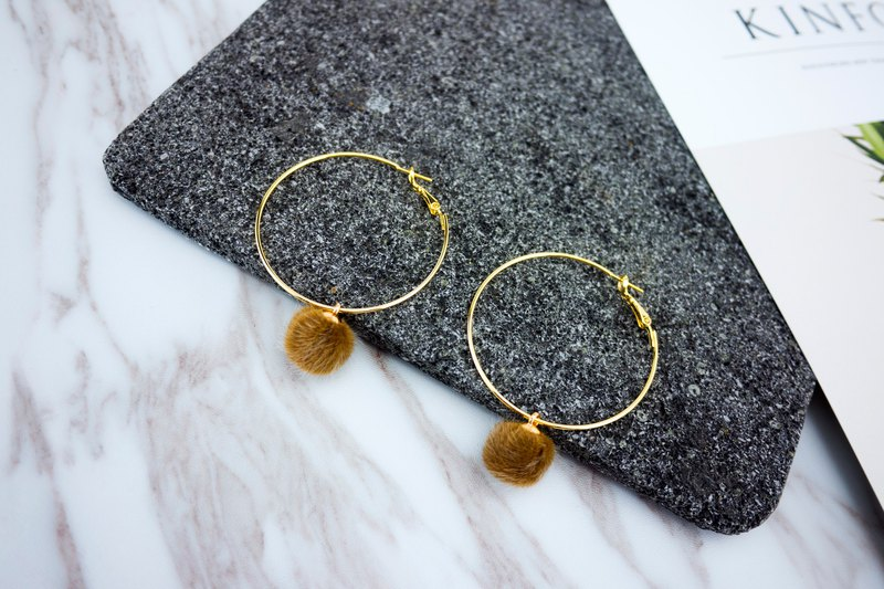 Circle dot Brown Bear Tail Earring Earrings
