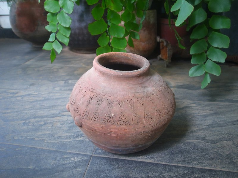 Baibu snake clay pot