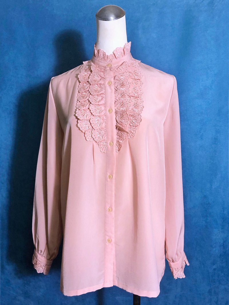 Victorian embroidered ruffled long sleeve vintage shirt / bring back VINTAGE abroad