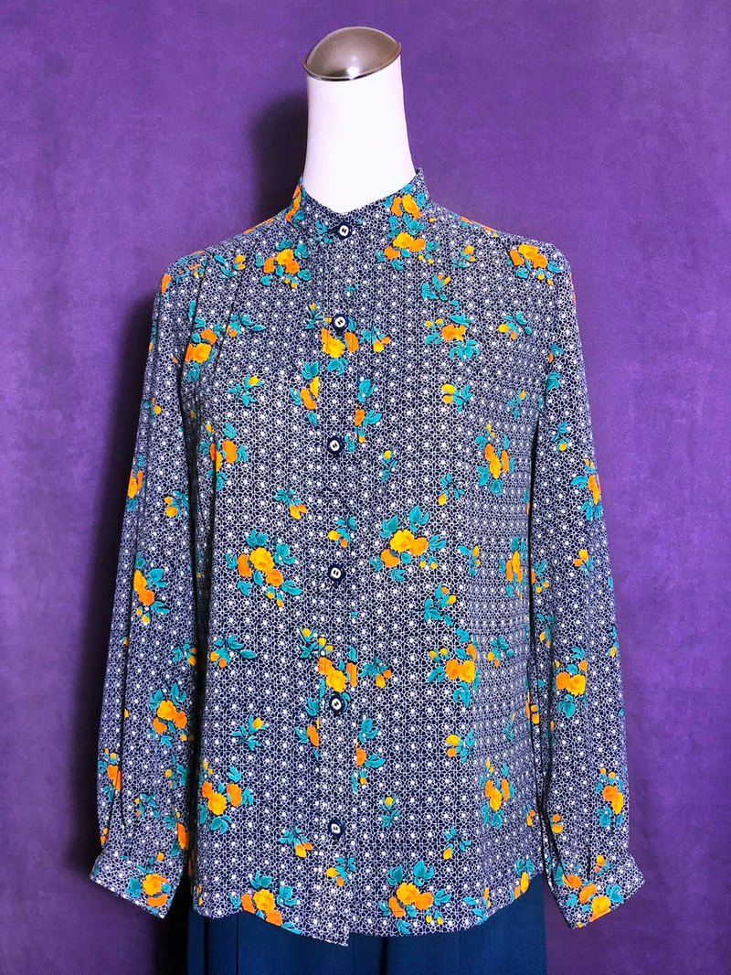 European flower long-sleeved vintage shirt / brought back to VINTAGE abroad