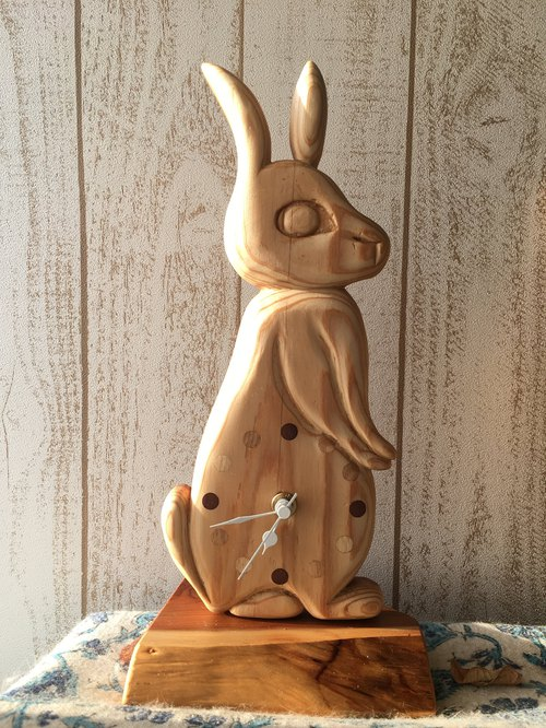 rabbit clock Yoshino cedar