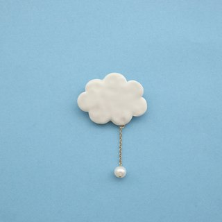 Cloud brooch