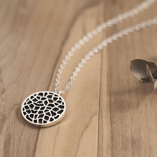 Round giraffe pattern men's necklace 925 Silver