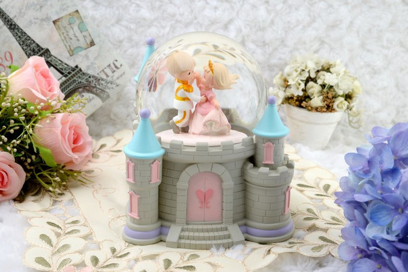 Happiness Castle Crystal Ball Music Box Valentine's Day Birthday Gift Home Decoration