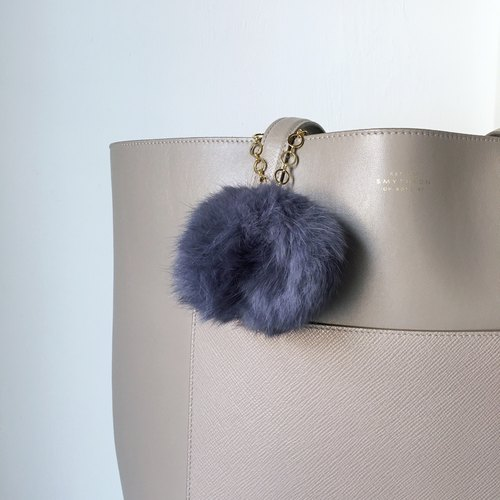 [Bag charm] Blue Gray Fur with a horse shoe charm