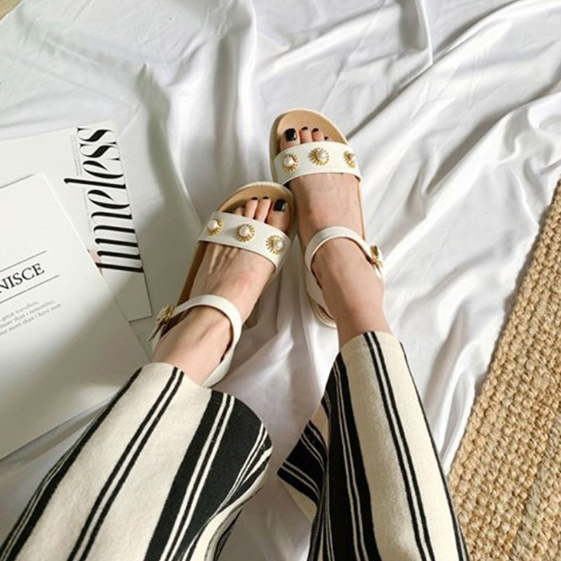 PRE-ORDER – MACMOC Wiki (WHITE) Sandals