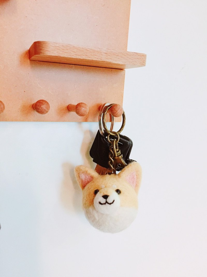 Free embroidered three-dimensional Shiba Inu / piglet key ring