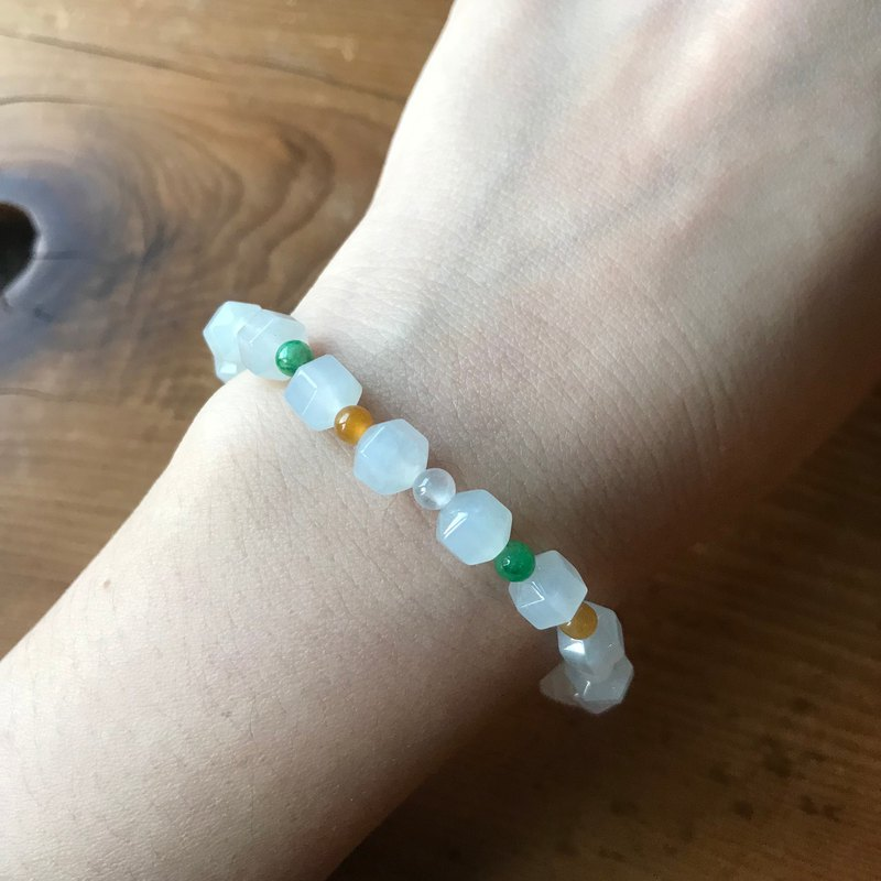 Jade-Myanmar natural jade ice species white 翡 multi-angle bead bracelet