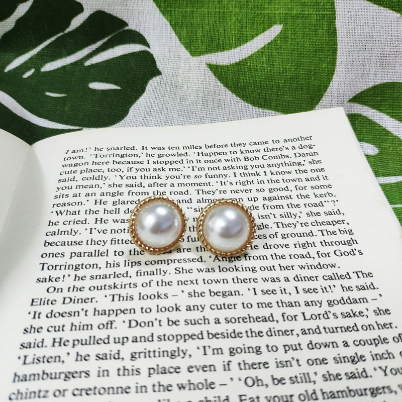 Vintage twisted Phnom Penh Pearl Earrings