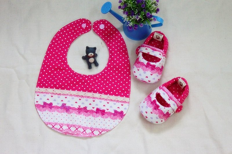 Pink bow shoes + pocket births ceremony. Full moon ceremony