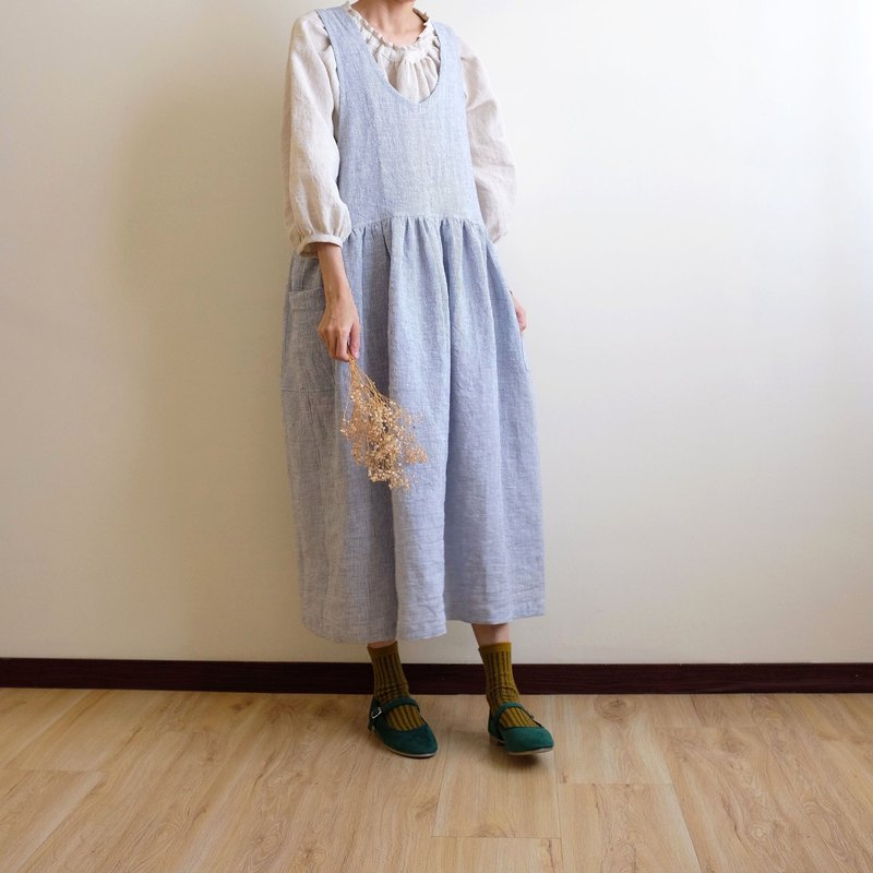 Daily hand-made clothes, gentle blue pinstriped pocket vest, dress, washed linen