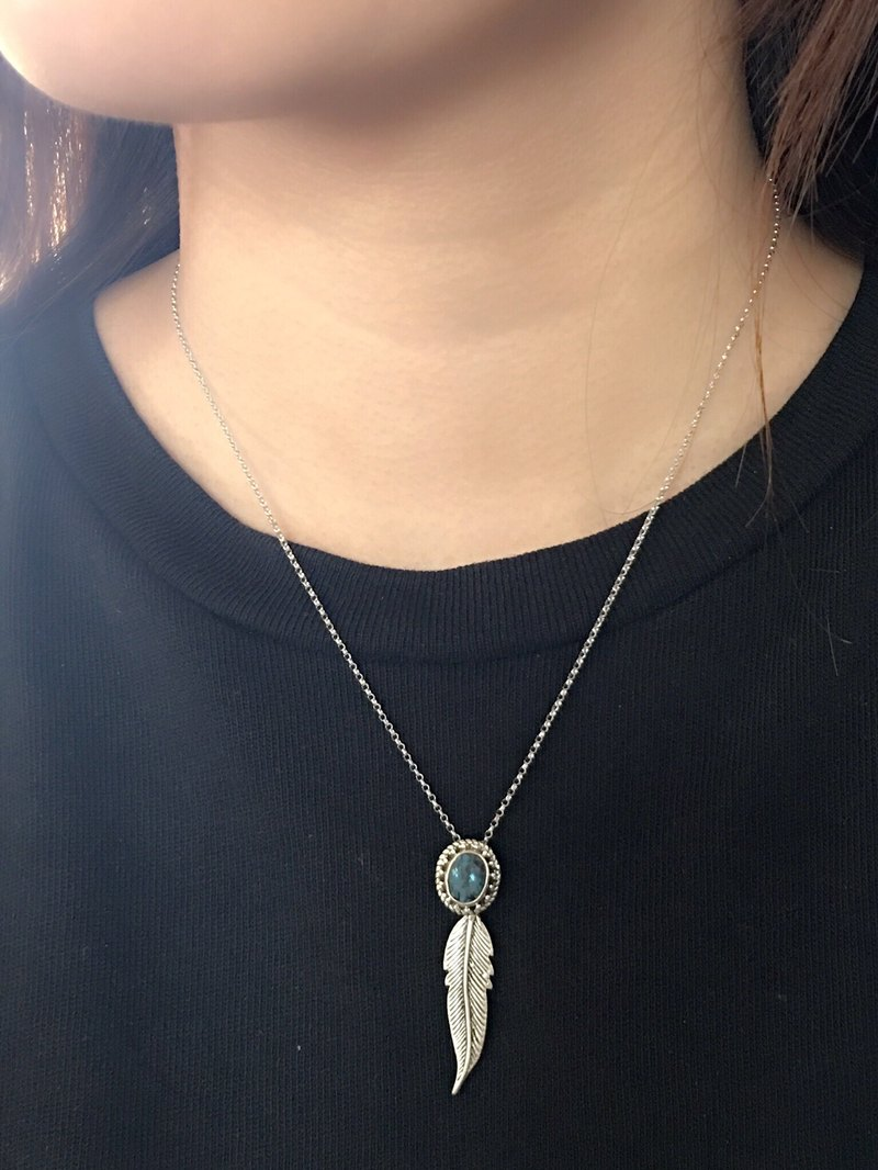 London Blue Topaz blue topaz sterling silver inlaid hand-made feather necklace Nepal