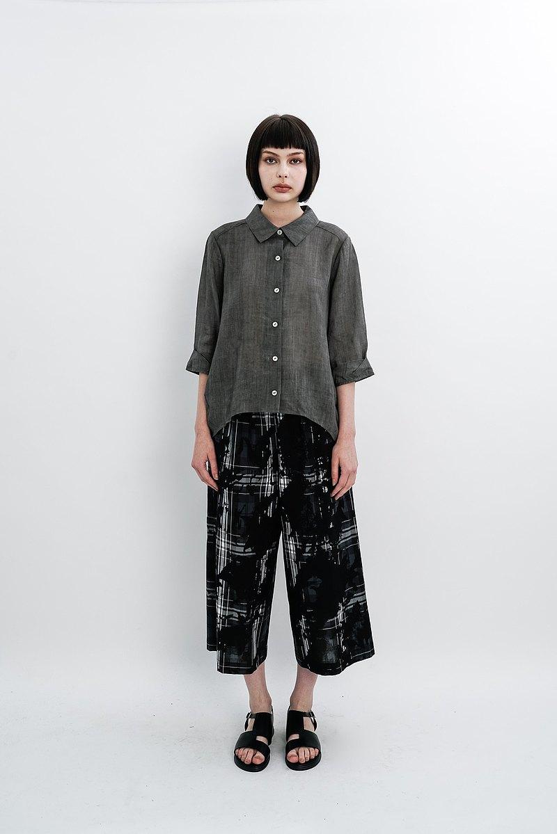 潑墨格紋。黑色棉質寬褲。春夏 | Ysanne