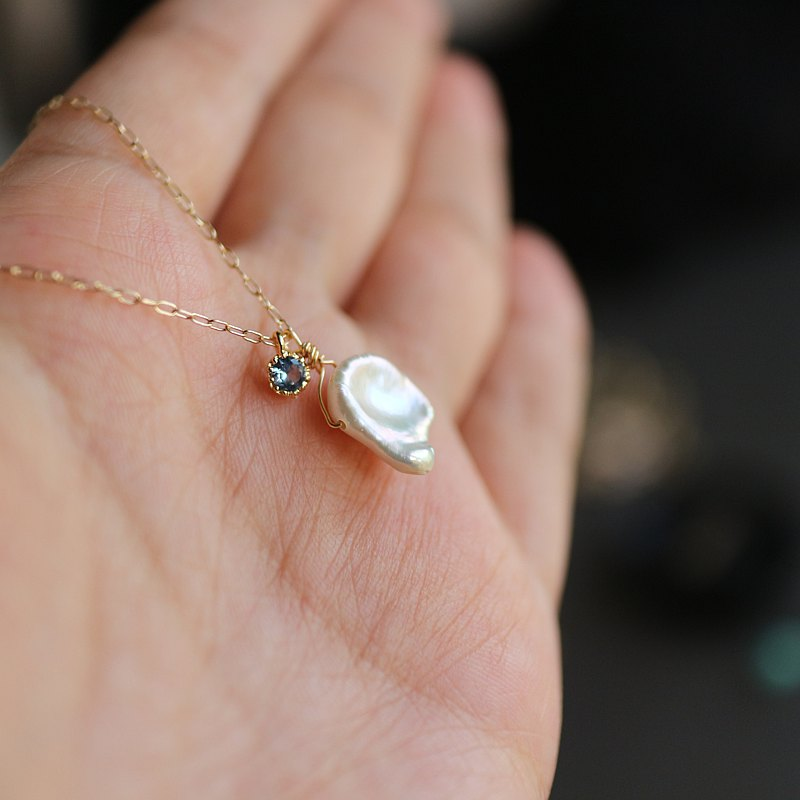 United States 14kgf gold simple temperament design special-shaped pearl aquamarine diamond necklace pendant clavicle chain