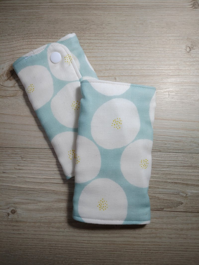 Strap towel - green circle