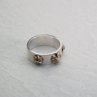 Triconcho Silver ring with 18K Gold concho