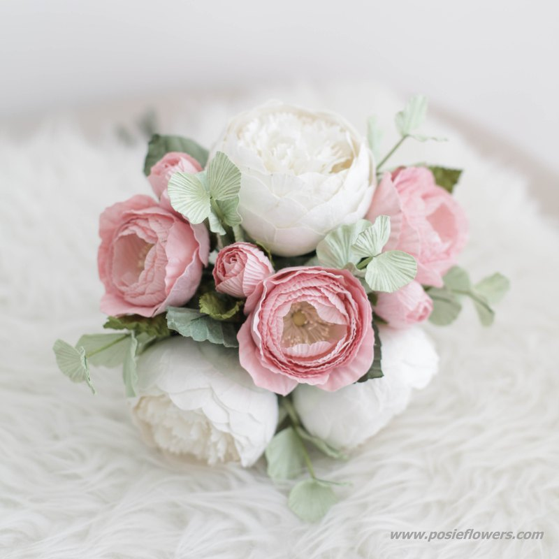 SWEET QUEEN ROSE Small Flower Bouquet Handmade Paper Flowers
