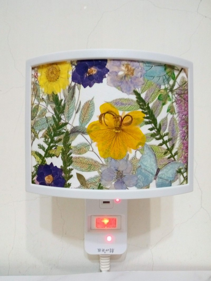 Customer reserved : causeofyou, Pressed flower nightlight