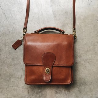 A ROOM MODEL - VINTAGE, Coach Caramel Side Bags / BC-2741