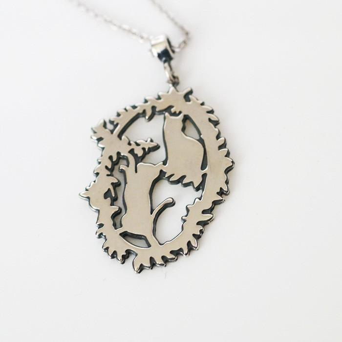 2 cat silhouette necklace