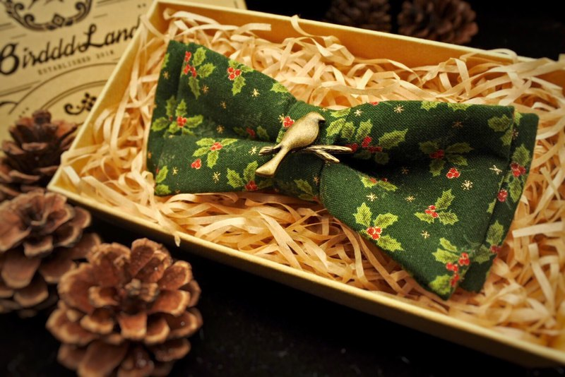 Original handmade vintage Christmas bow tie Christmas gift red berries Holly Japan imported hot stamping cloth