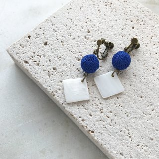"""Blue and white"" linen crochet balls and shell earrings / earrings"