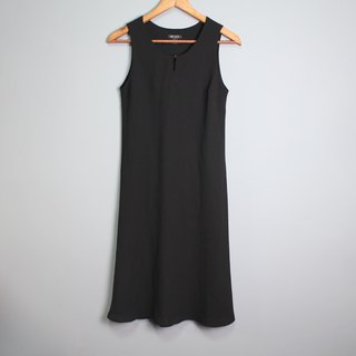 FOAK vintage / black / minimalist classic cut dress