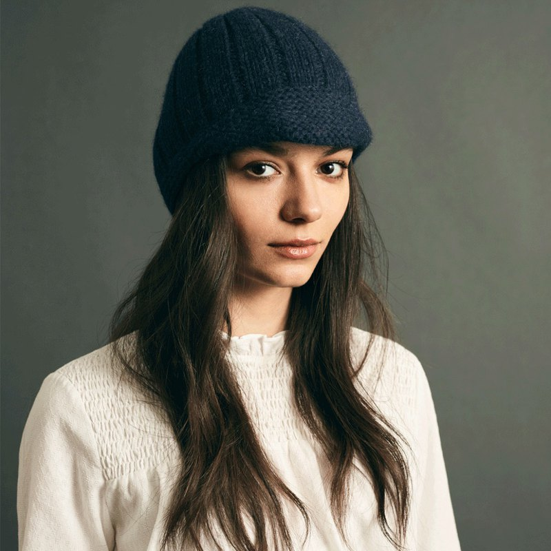 Lowie Navy Riding Hat