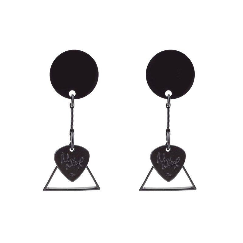Triangle earrings ( Matte black)