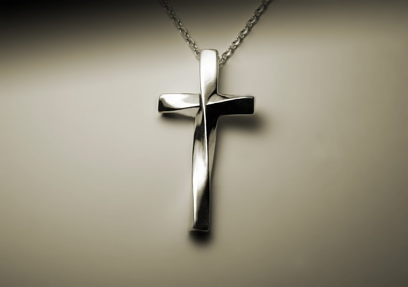 Twisted cross silver necklace