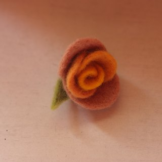 Plant Styling Rose Brooch Orange Gradient Turmeric + Rubia + Betel Nut Products