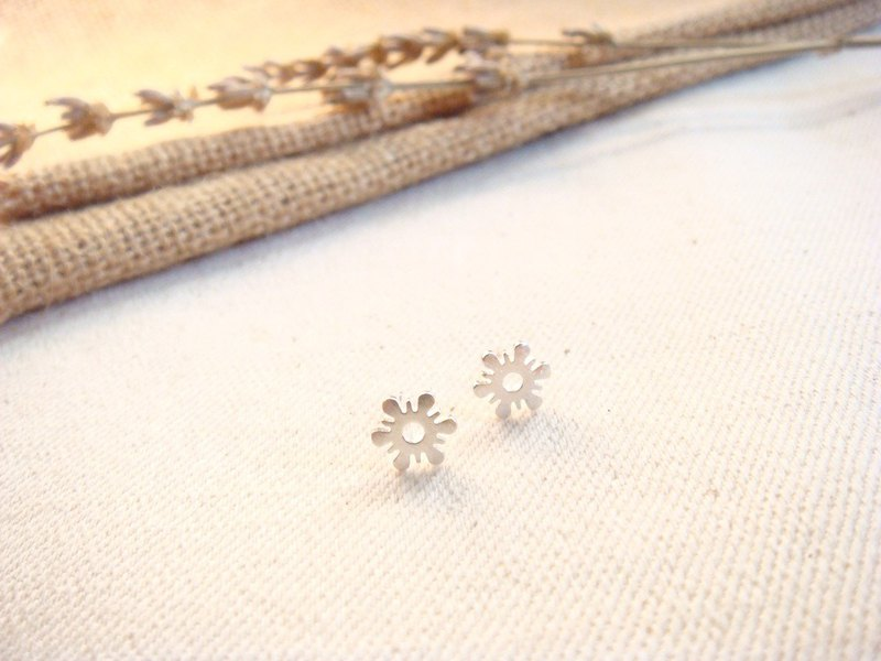 Fireworks - 925 Sterling Silver Earrings / Stud Earrings