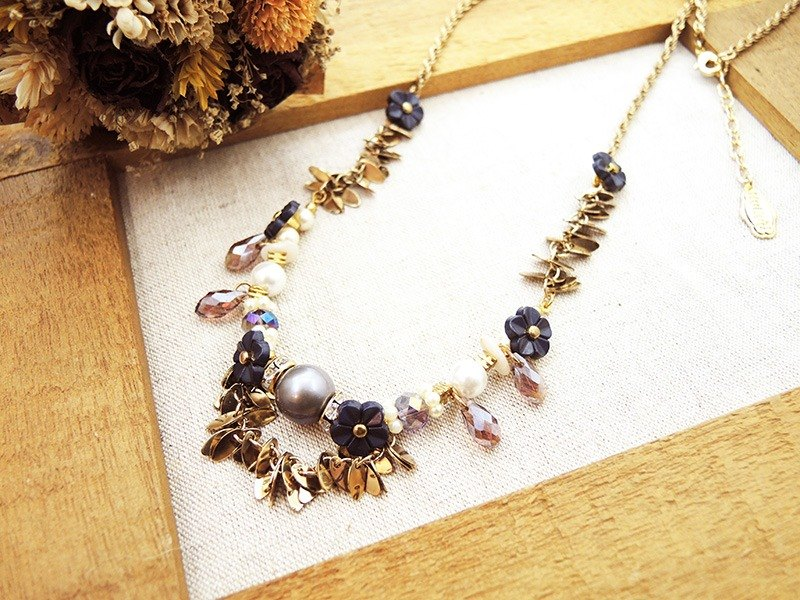 § HUKUROU§ retro jewelry box long necklace (leaves - deep blue cherry)
