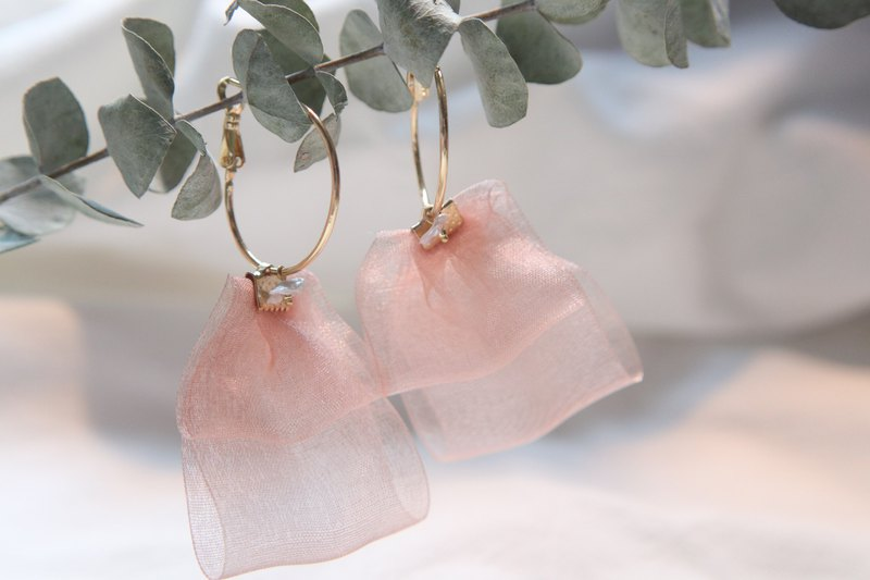 Ribbon mother-of-pearl metal ring earrings ear clip | pink | can be customized