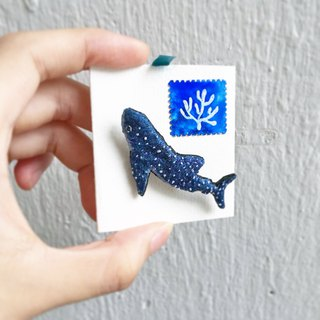 Whale shark embroidery brooch