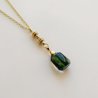 [Gemstone] Natural Ore Green Phantom Crystal Brass Handcrafted • Necklace