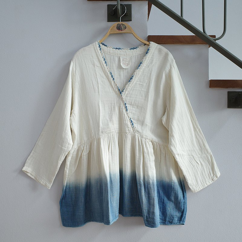 Y blouse / indigo dip dye with hand-crochet