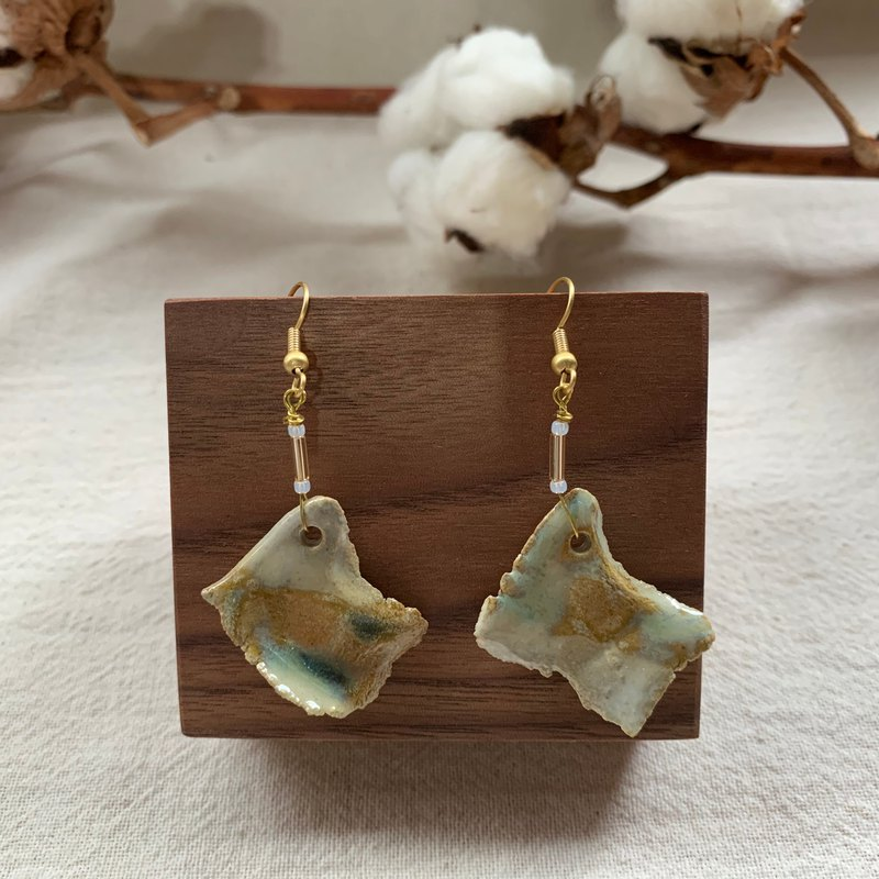 Clay irregular earrings 3