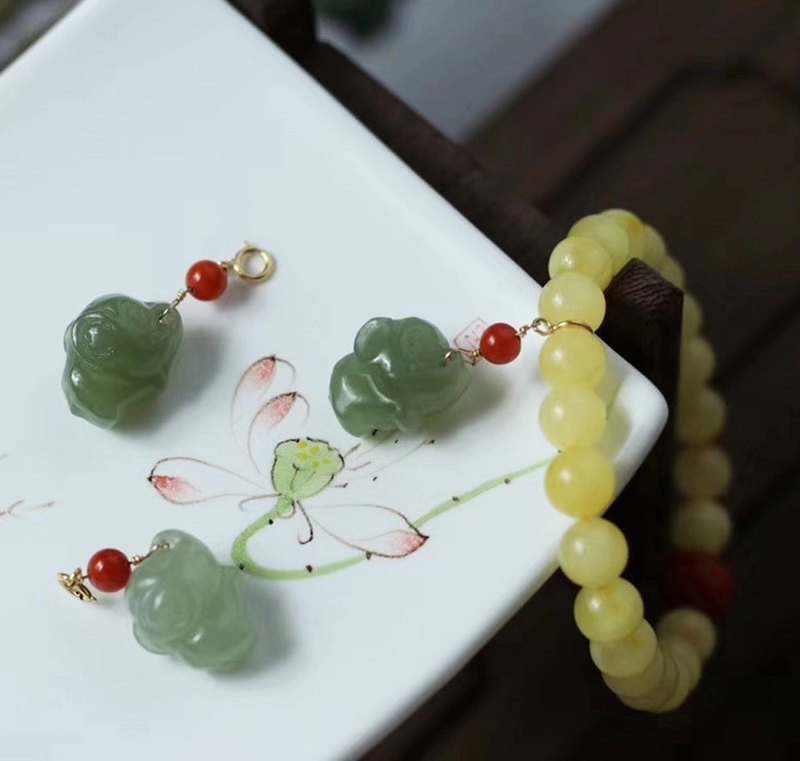 [Welfare price] original natural beeswax single ring bracelet / with Hetian jade cute elephant / pendant removable