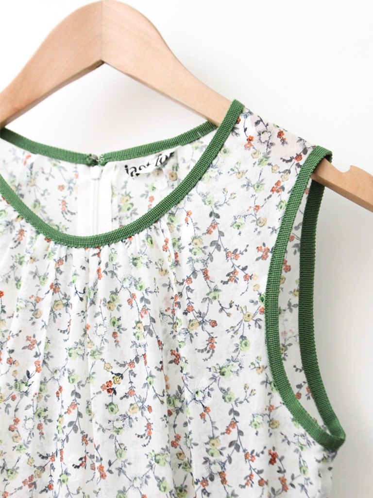 【RE0614D1218】 early summer Japanese system fresh floral green side white sleeveless dress