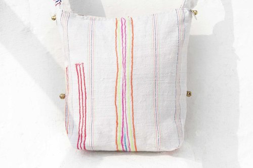 Birthday gift Mother's Day gift Valentine's Day gift handmade limited edition of a natural cotton storage bag / ethnic wind diagonal backpack / embroidery shoulder bag / side backpack - rainbow forest cloth handmade patchwork cotton hand embroidery