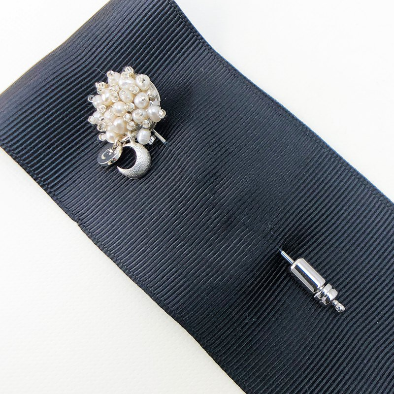 Elegant Pearl Brooch 【Wedding Accessory】 【Japanese Style Brooch】【New Year Gift】