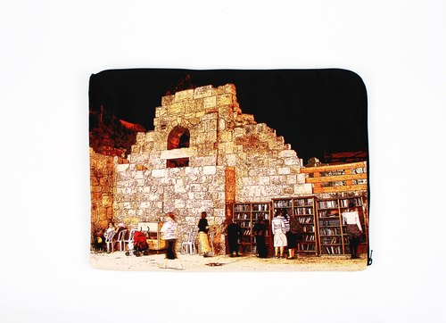 night. Western Wall --- 13-inch computer bag